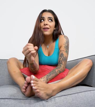 Mia Martinez JOI (Feet)